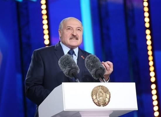 """Лукашенко нашел новое лечение от вирусов: коровы и """"козочки"""""""