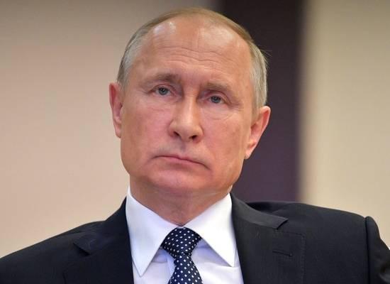 Путин выделил врачам дополнительные выплаты в 10 млрд рублей