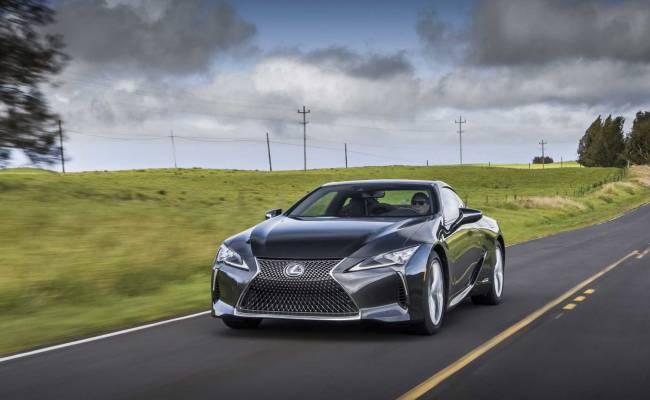 Lexus обновил купе LC500: оно стало легче