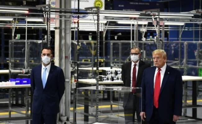 Трамп оскандалился после визита на завод Ford из-за нежелания носить маску