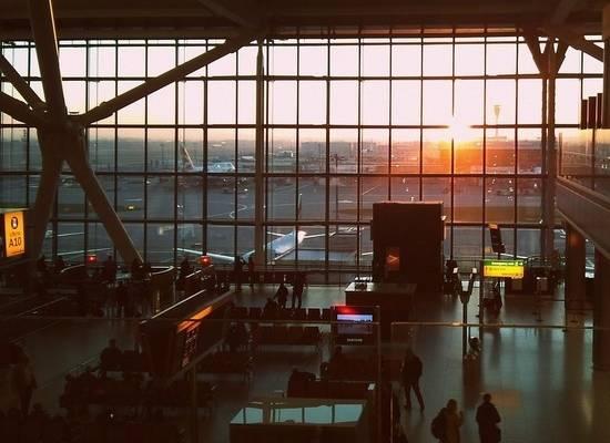 Пассажиров предлагают подвергать быстрым тестам на коронавирус до прибытия в аэропорт