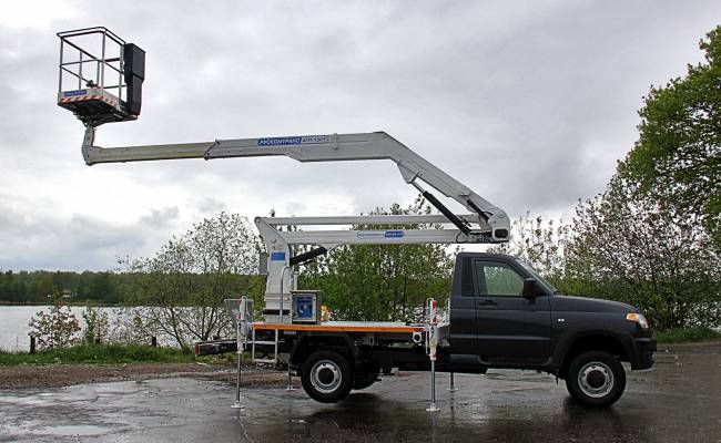 УАЗ Профи оснастили 14-метровым гидроподъемником