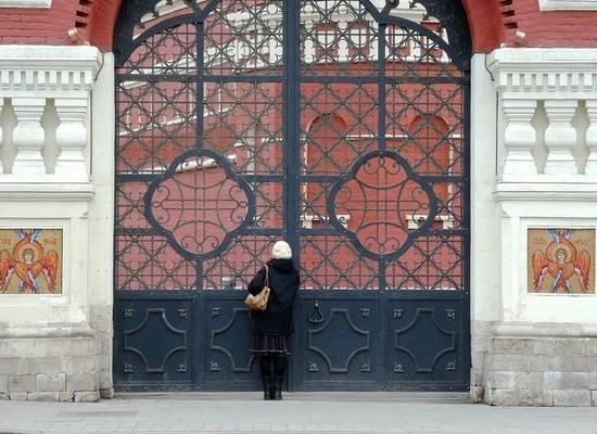 В РПЦ пообещали не пускать в храмы прихожан без масок