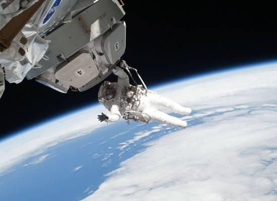 С туристами, которые полетят на «Союзе» к МКС в 2021 году, заключены контракты