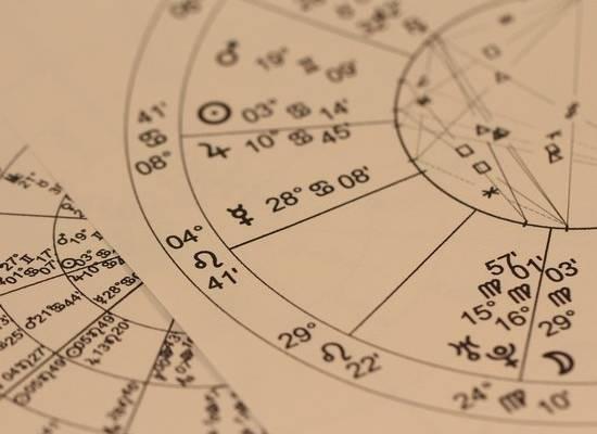 """Астролог предупредила о боевом окончании года: """"не расслабишься"""""""