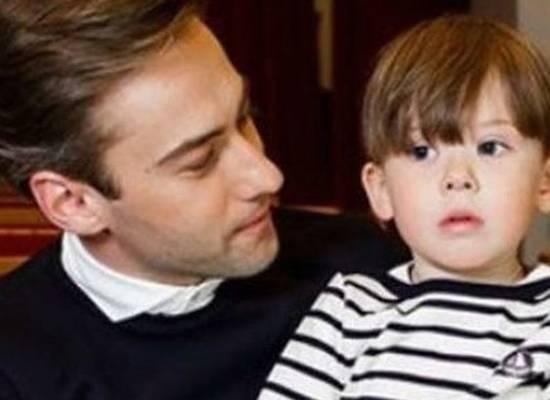"""""""Похож на маму"""": Шепелев показал сына Фриске"""