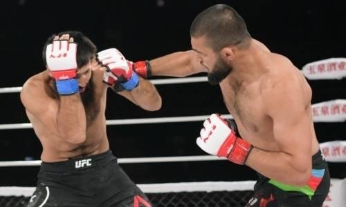 «Танк» после досрочной победы над казахстанцем нокаутировал соперника с левой в челюсть. Видео