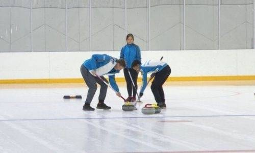 Казахстанские мастера керлинга вышли из карантина и начали подготовку к борьбе за олимпийские лицензии
