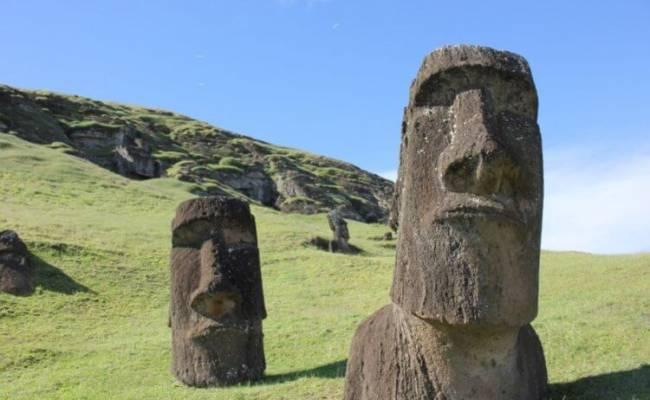 Где находится остров Пасхи и куда пропало его коренное население?