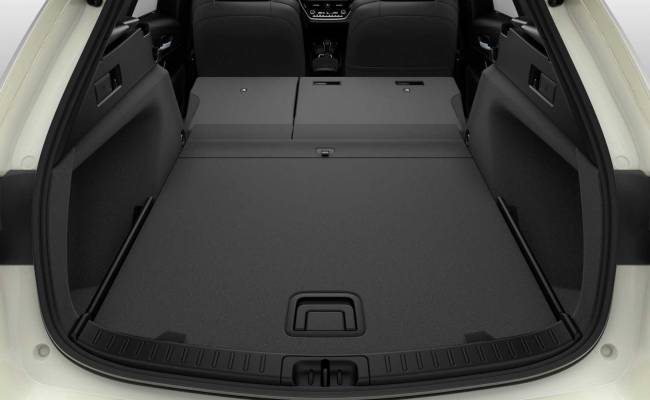 В Европе представлен универсал Suzuki Swace. Он покажется вам знакомым