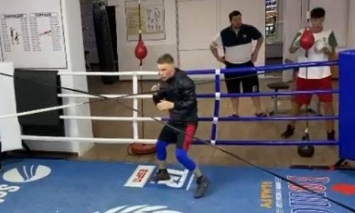 «Казахский король» продемонстрировал бой с тенью перед титульным поединком. Видео