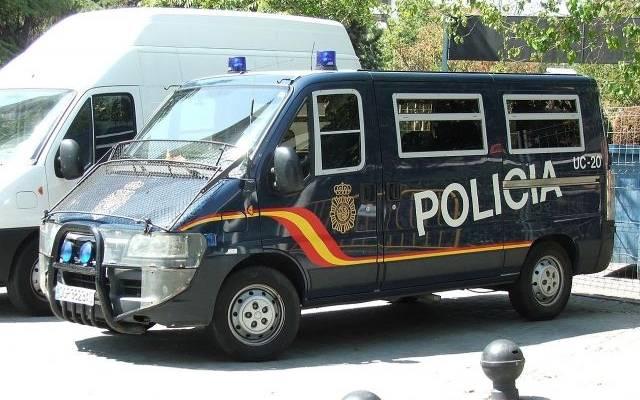 ВБарселоне полицейские открыли огонь помужчине, который угрожал им ножом