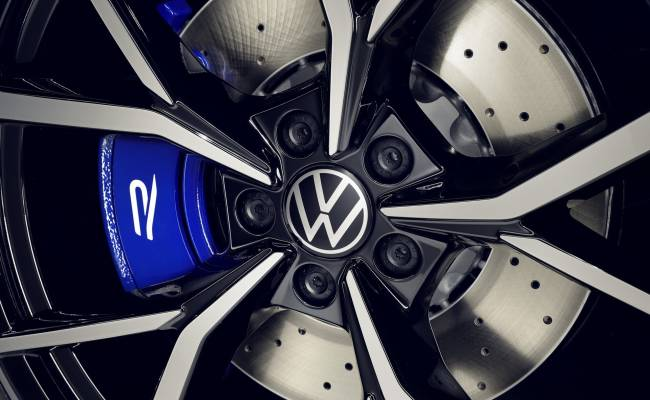Volkswagen Tiguan R оказался быстрее Porsche Cayenne Turbo S первого поколения