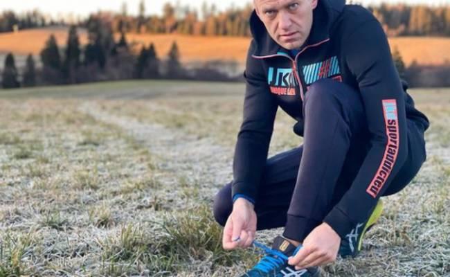 Выздоравливающий Навальный начал беговые тренировки