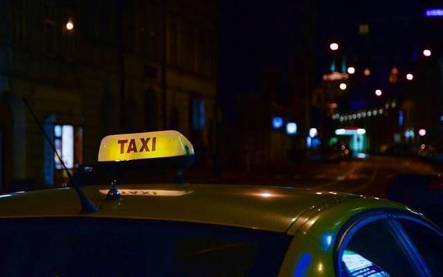 В Москве полицейские задержали пассажира, угнавшего такси