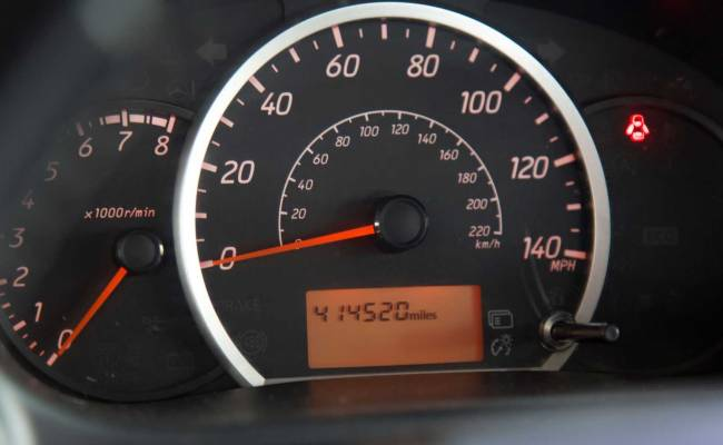 В США семейная пара купила самую дешевую на рынке машину и проехала на ней почти 700 тысяч км