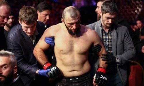 Появилось видео нокаута российского бойца UFC на дагестанской свадьбе