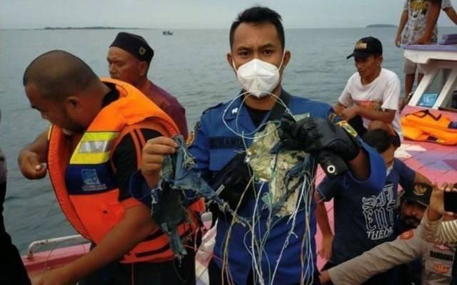 Упавший в Индонезии самолет не подавал аварийных сигналов