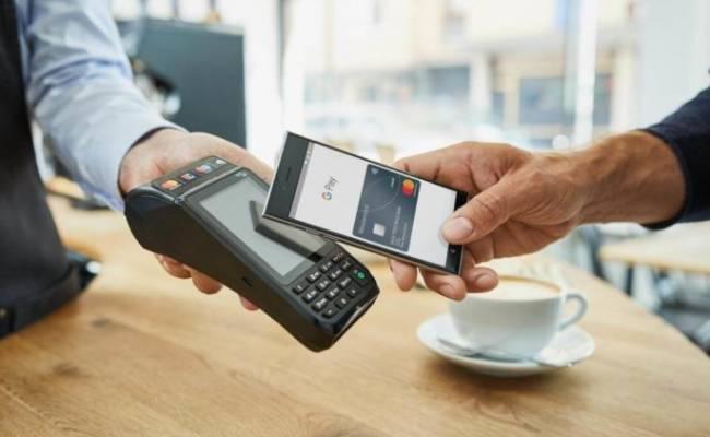 NFC — ванлав. Почему QR-платежи не нужны в России