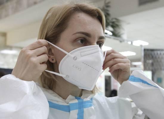 Роспотребнадзор описал срок жизни коронавируса на бумаге