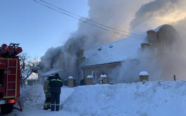 Росгвардейцы спасли двоих детей из горящего дома в Нижегородской области