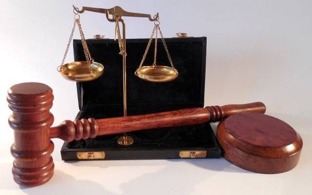 Смоленский чиновник, получивший взятку в виде планшета, осуждён на пять лет