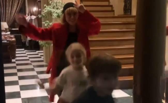 Галкин показал зажигательный танец Пугачевой и детей