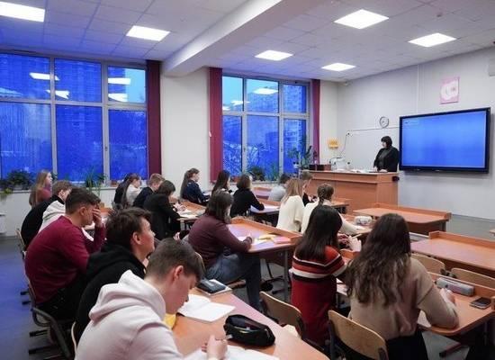 В России нашли школы с подозрительным количеством контрольных работ
