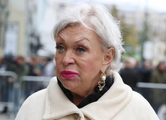 Вдова Караченцова пожаловалась на голод при пенсии в 53 тысячи
