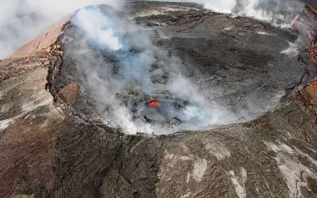 Вулкан Суфриер покрыл пеплом карибский остров Сент-Винсент