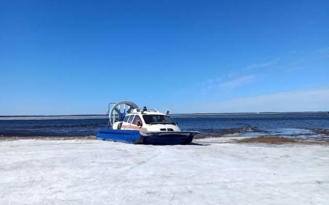 В Нижегородской области спасены рыбаки с отколовшейся на Волге льдины