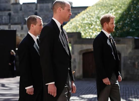 Состоялась встреча принца Гарри с братом и отцом после похорон