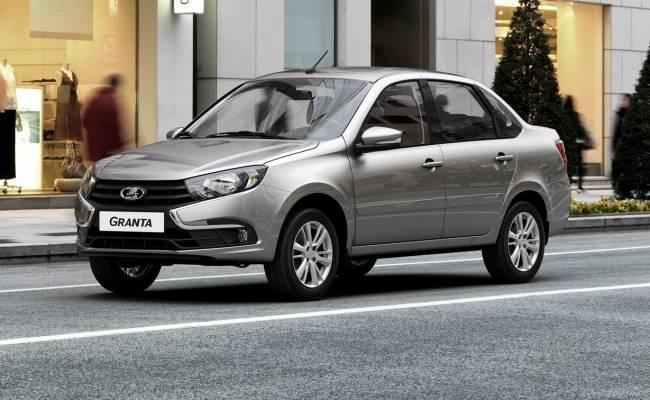 АвтоВАЗ приостановил сборку Гранты из-за нехватки комплектующих