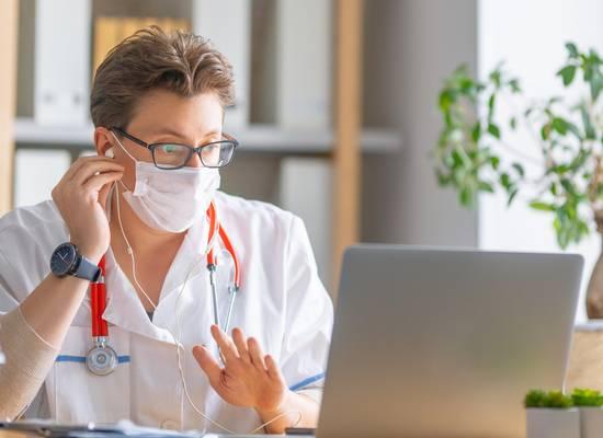 Медиков запланировали освободить от получения бумажных свидетельств об аккредитации