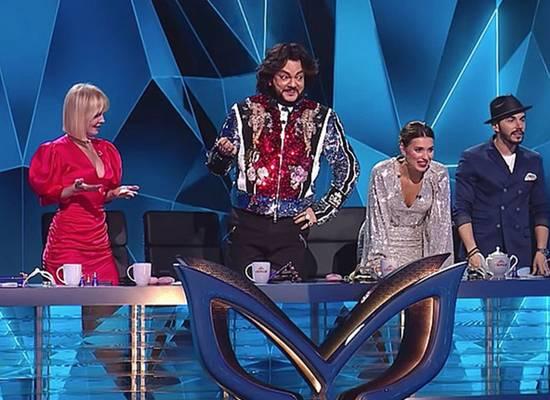 Телезрители попросили сменить жюри в новом сезоне «Маски»