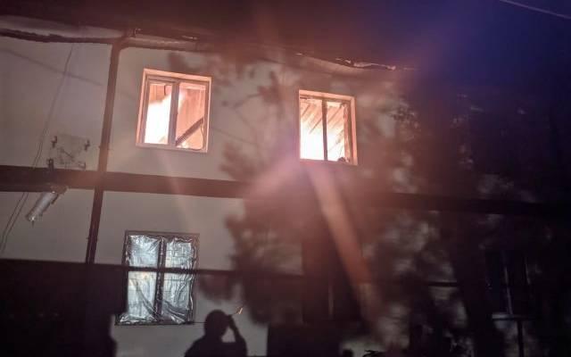 В Крыму горит дом на площади 1,2 тысячи квадратных метров