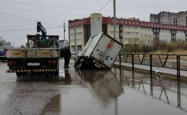 Мэр Благовещенска извинился за разбитые дороги в городе