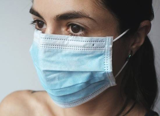 В России выявлено 8 933 случаев коронавируса за сутки