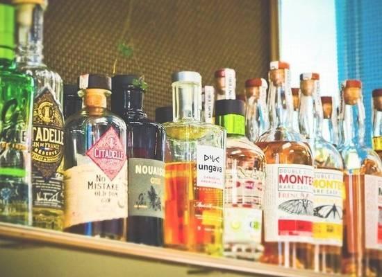 Сомелье назвал реальную стоимость продающегося на ПМЭФ элитного алкоголя