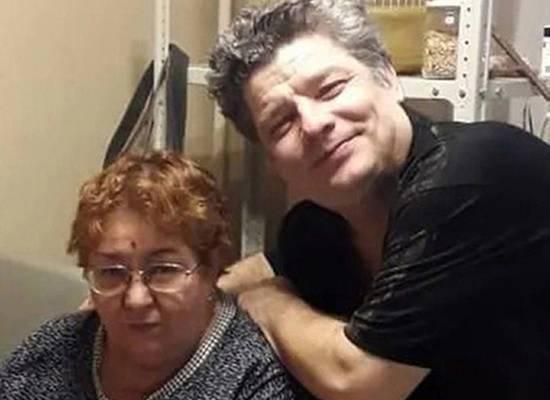 В годовщину ДТП с Ефремовым на жену погибшего обрушились с обвинениями
