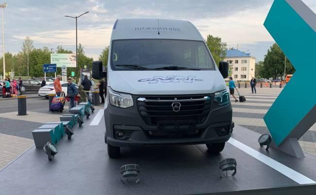 ГАЗ показал цельнометаллический микроавтобус семейства ГАЗель NN