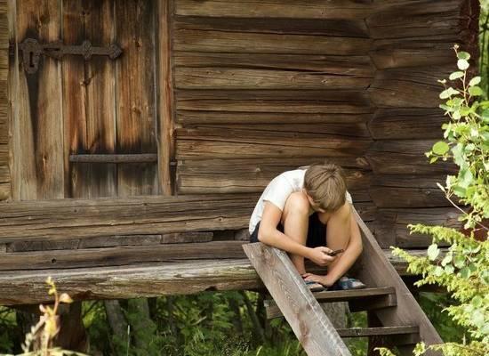 Как отвлечь ребенка от мобильного и компьютера в каникулы
