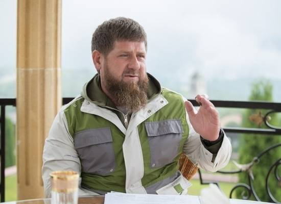 Российского блогера заставили извиниться перед Кадыровым за свои слова