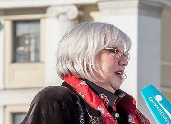 Крючкова не стала комментировать приглашение Бузовой во МХАТ