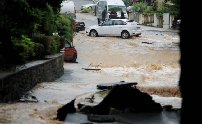 Число жертв наводнений в Германии достигло 106