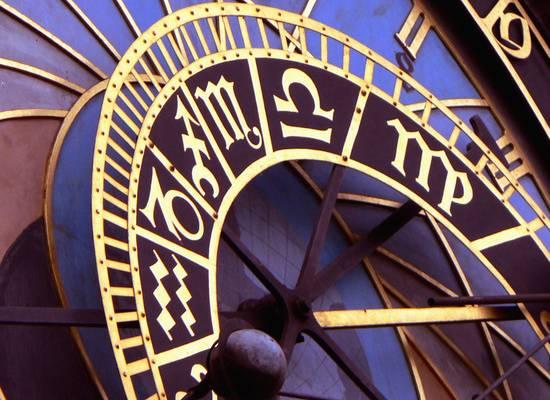 Названы четыре знака зодиака, которые притягивают деньги