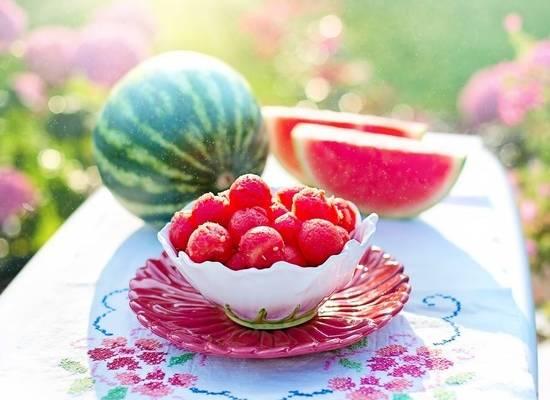 Диетолог сравнила пользу арбуза и дыни для здоровья