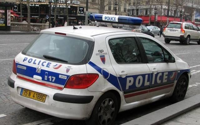 Во Франции при наезде автомобиля на террасу бара погиб один человек