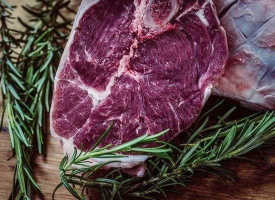 Диетолог Бережная рассказала о пользе и вреде красного мяса