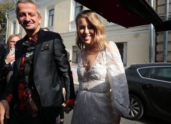 """Собчак сравнила """"треш-свадьбу"""" Моргенштерна и свою с катафалком"""